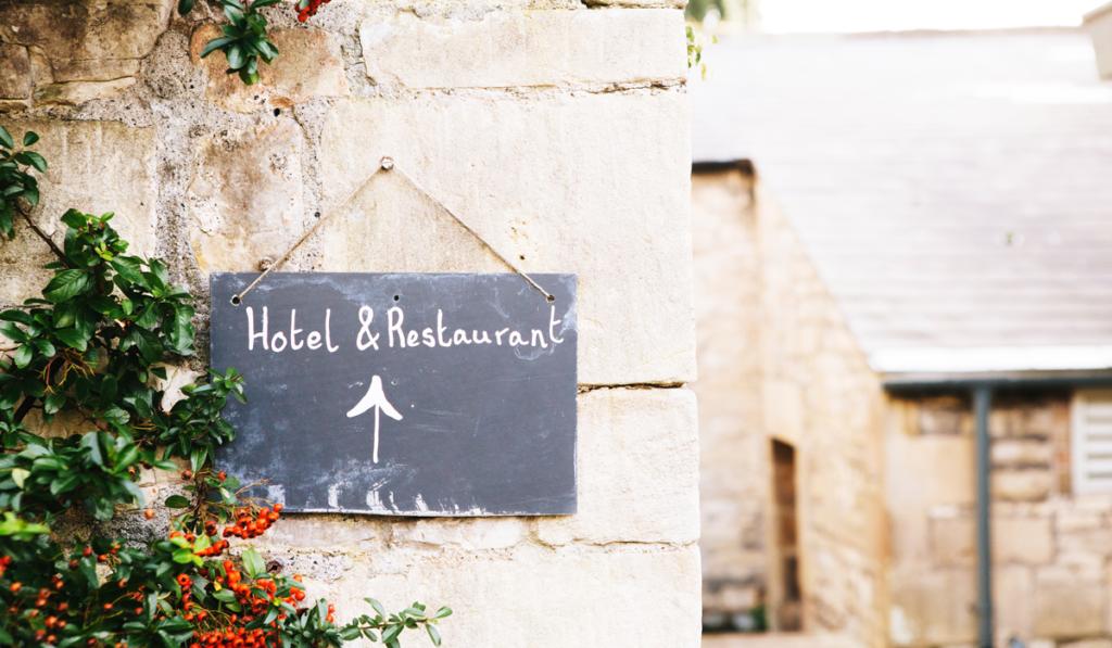 hoteles o apartamentos turísticos